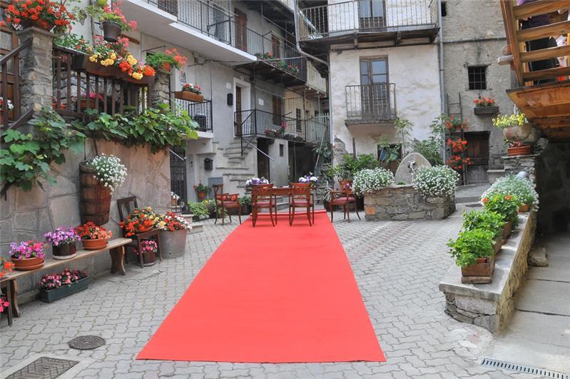 Matrimonio nel vecchio Borgo di Pomaretto